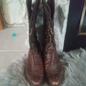 Justin brown leather cowboy boots